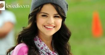 Selena (5)